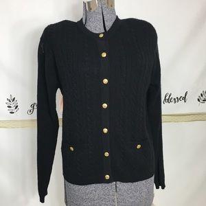 CHINAWEAR Black sweater /button closure